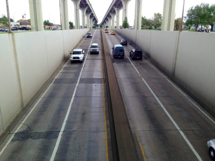 The tunnel has a length of 1,079 feet and has four lanes of traffic, that hosts around 26,000 cars a day as of 2010.