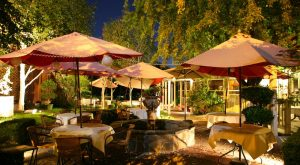 Try These 12 Oregon Restaurants For A Magical Outdoor Dining Experience