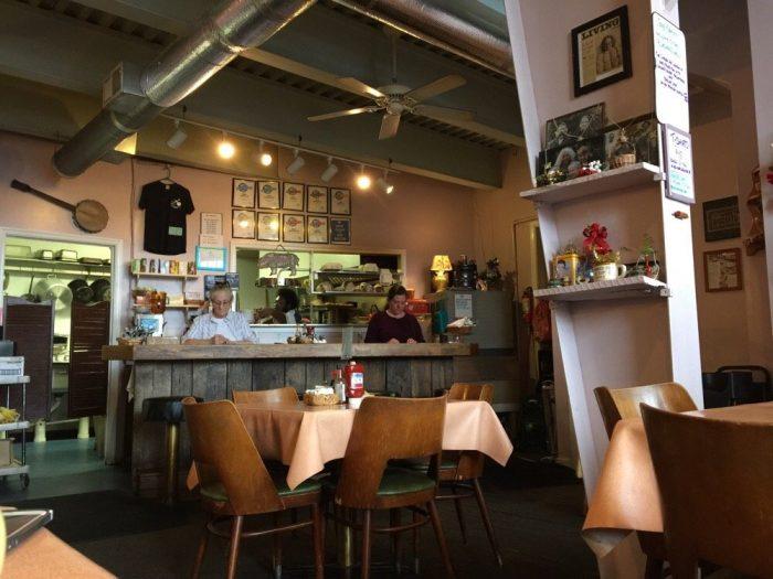 2. Bluegrass Grill & Bakery (Charlottesville)