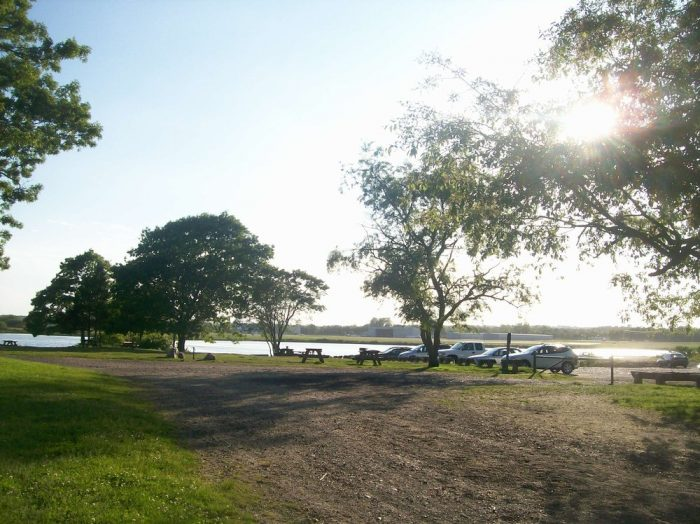 The picnic area, which offers its own water views, is just a short walk from the parking area. Families will love coming here for a nice outside meal.