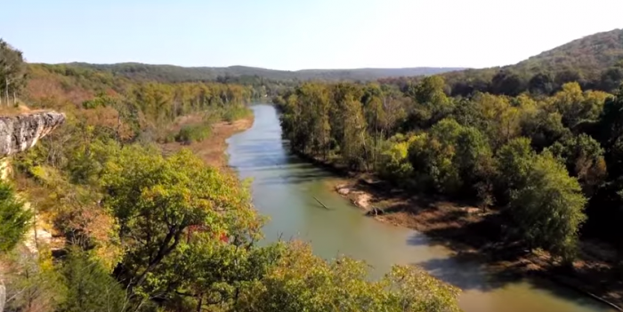 Goats Bluff overlooks the Illinois River and offers stunning views of the surrounding area.