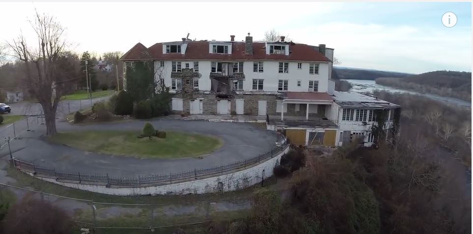 Creepy Drone Footage Of An Abandoned West Virginia Hotel