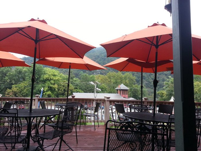 4. Have lunch at the Potomac Grill.