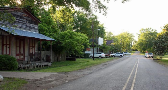 Located about 30 miles southeast of Vicksburg, you'll find the small town of Learned. The quaint town is dotted with buildings of yesteryear.