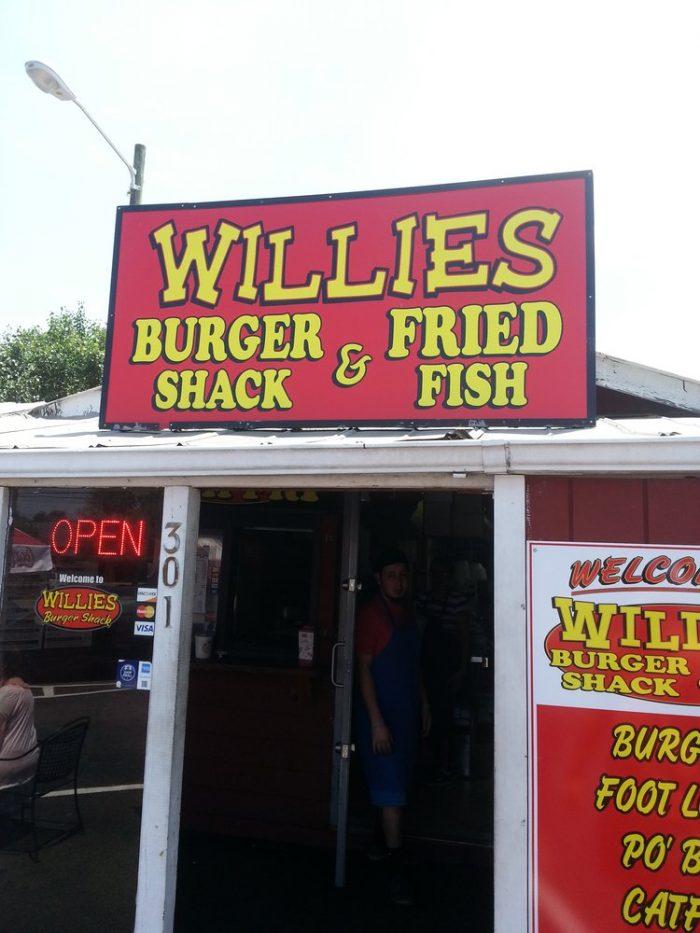 3. Willie's Fish Fry—301 W Emery St, Dalton, GA 30720