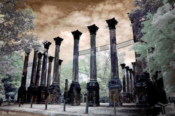 Another great aspect about Raymond is its location. The town is located just three miles from the Natchez Trace Parkway and isn't far from the renowned Windsor Ruins.