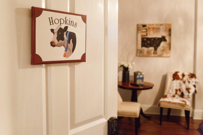 100_hopkins-room-cow