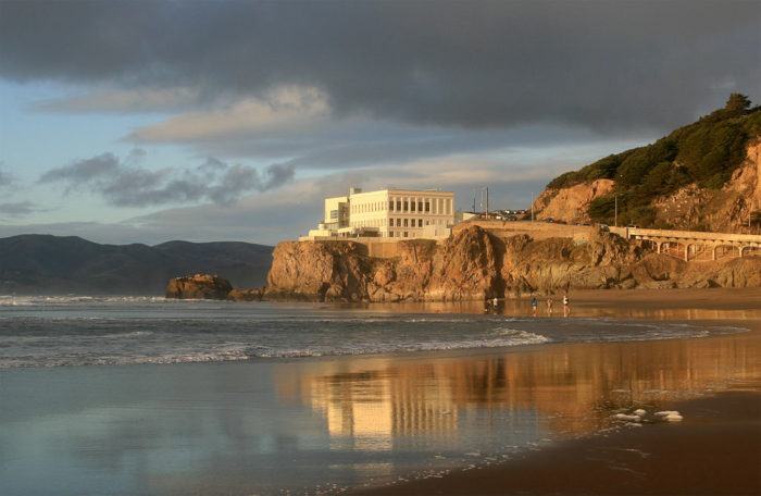 1024px-Cliff_House_from_Ocean_Beach