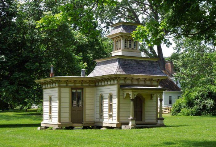 13.  Historic Dog House, North Bennington