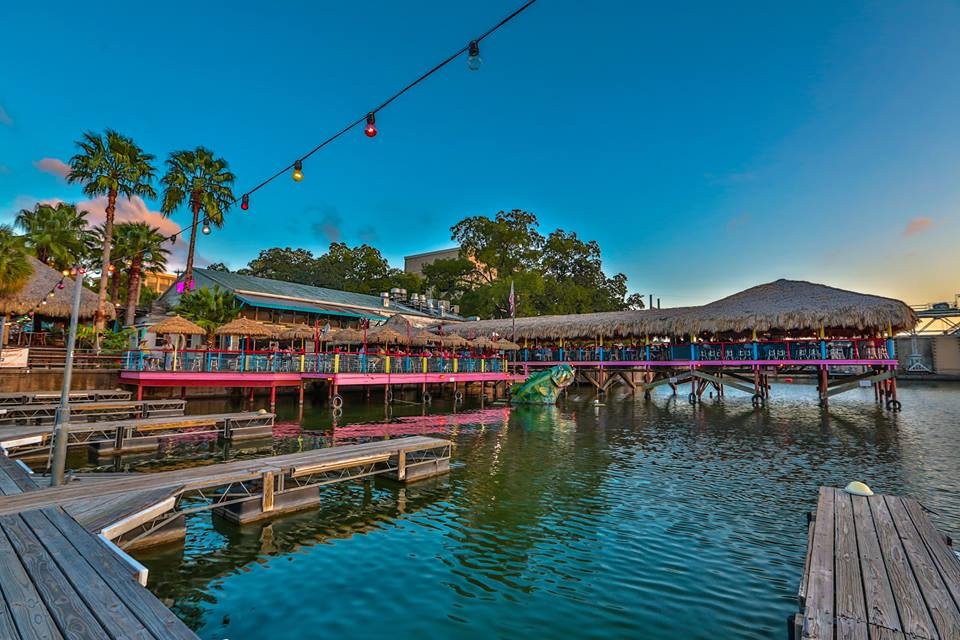 10 Best Waterfront Restaurants In Austin