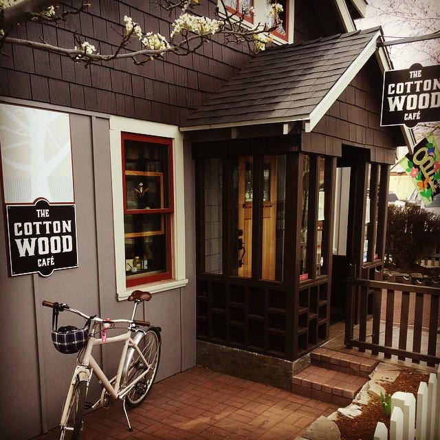 2.  Cottonwood Cafe, Sisters