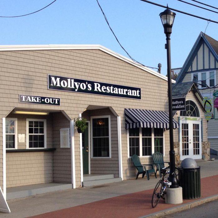 9. Mollyo's Restaurant, York Beach