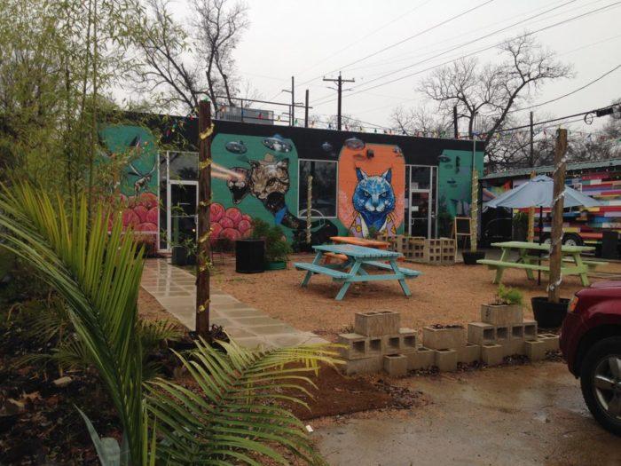 2. Blue Cat Cafe