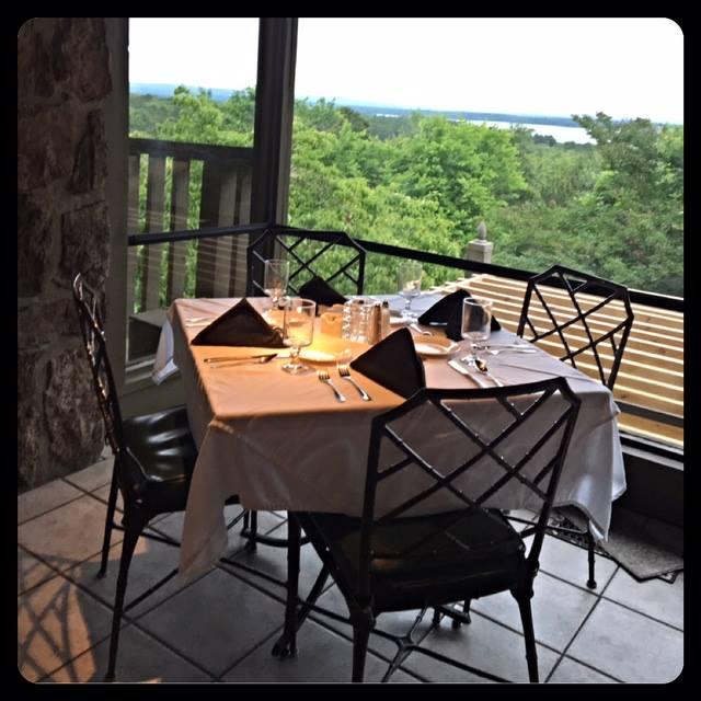 7. Red Apple Inn & Country Club (Heber Springs)