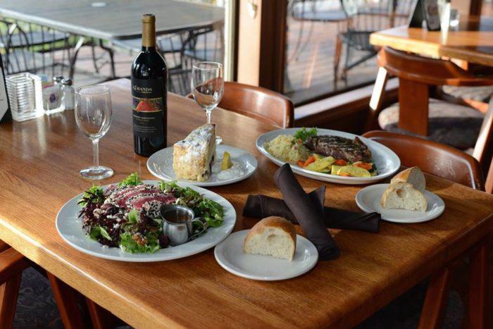 6. Rivershore Bar and Grill, Oregon City