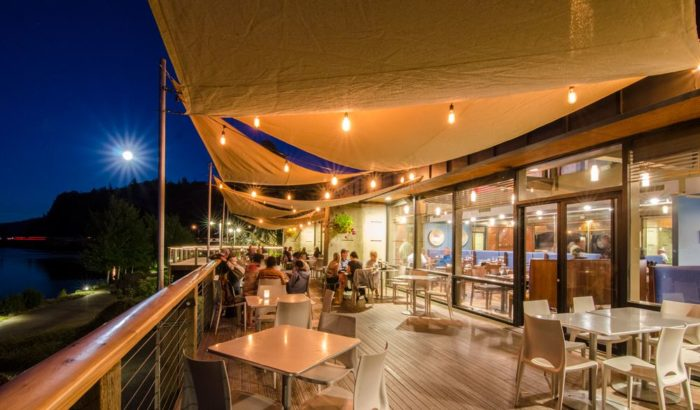The 9 Best Riverside Restaurants In Oregon With Amazing Views