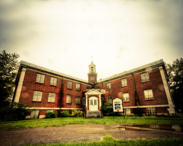 1. Rolling Hills Asylum (East Bethany, New York)