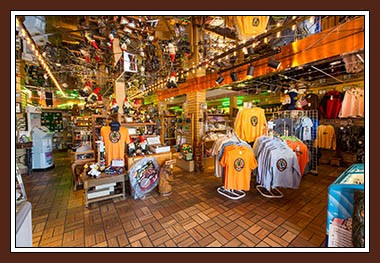 And, before you bid Lake In Wood farewell, visit the shop to stock up on souvenirs.