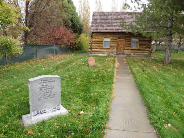 13. Old Pioneer Cemetery, Mona