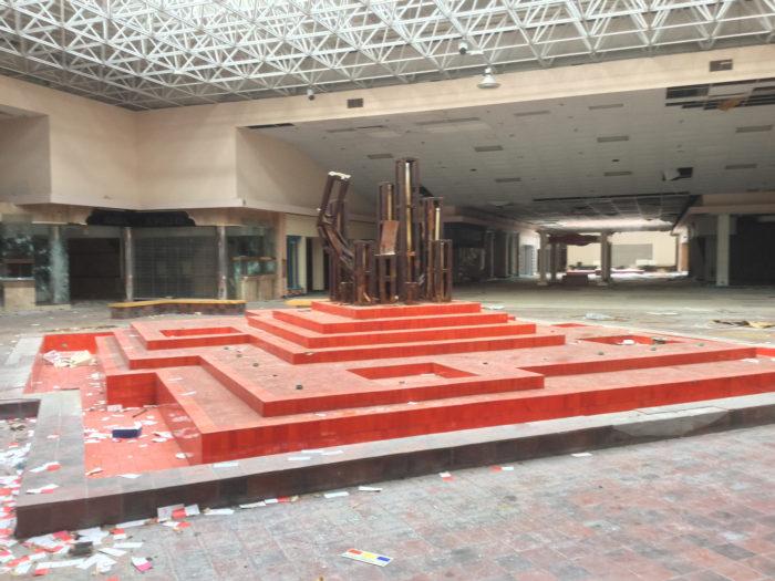 19. Rolling Acres Mall, Ohio