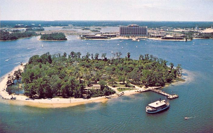 '70s Postcard of Discovery Island