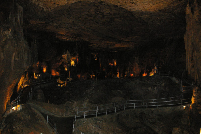 Blanchard Springs Caverns is so gorgeous it's almost indescribable. Luckily, we've got theses cool pictures to do the job for us.