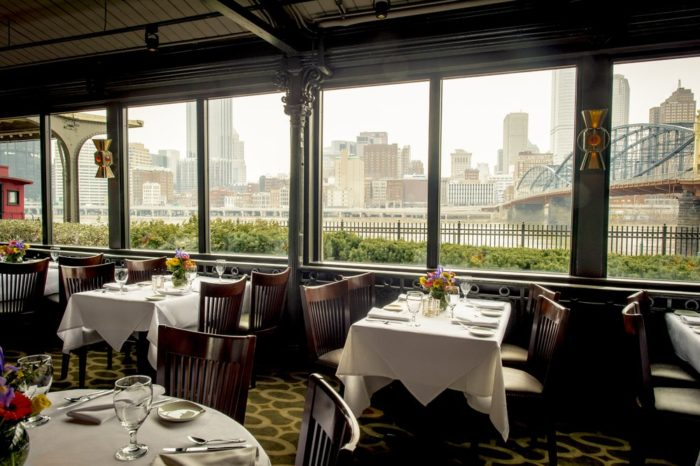 11 Amazing Riverfront Restaurants In Pennsylvania