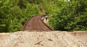 You've Never Experienced Anything Like This Epic Abandoned Railroad Hike In Kentucky