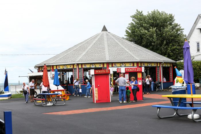 One of the main attractions that draws in visitors to this town is Carousel Park, filled with vintage rides that only cost 25 cents.
