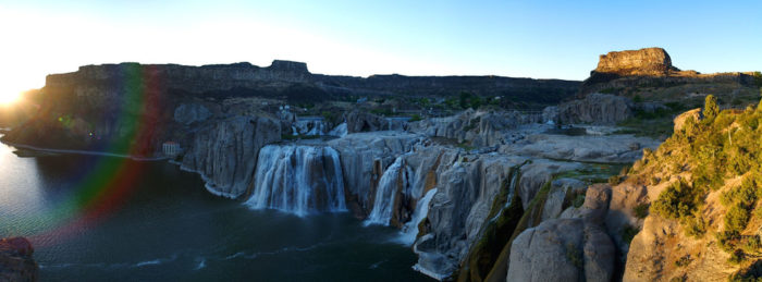6. Enjoy a picnic at Shoshone Falls.