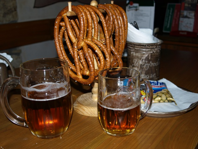 4. It is prohibited for bars or restaurants to serve both beer and pretzels at the same time.