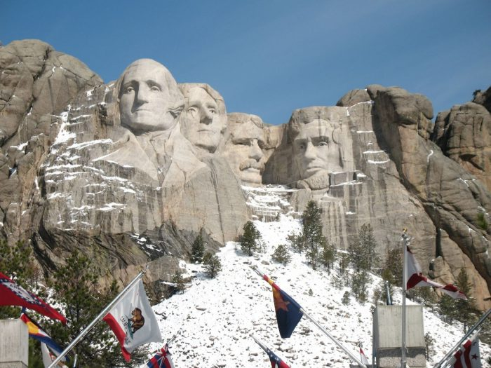 11. Over 800 million pounds of stone were removed during its creation.