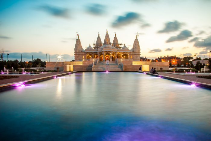 5. Visit the BAPS Shri Swaminarayan Temple