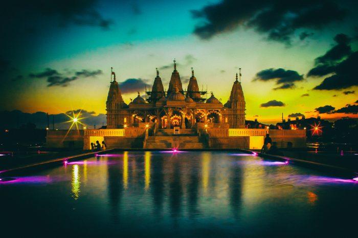 2. BAPS Shri Swaminarayan Mandir Temple (Stafford)