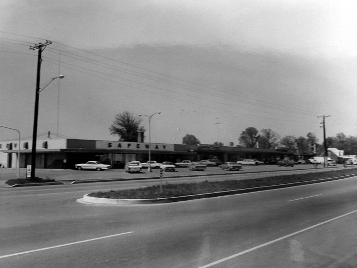 7. A Safeway store and classic cars in Indian Head, 1960s.
