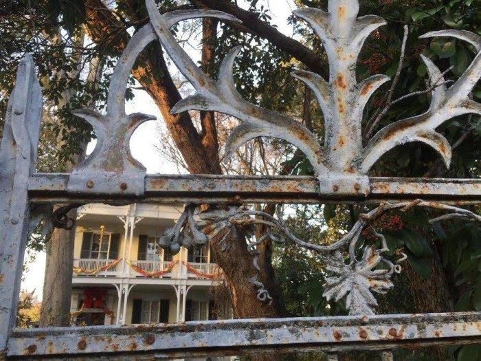 3. McRaven Home (1445 Harrison St, Vicksburg)