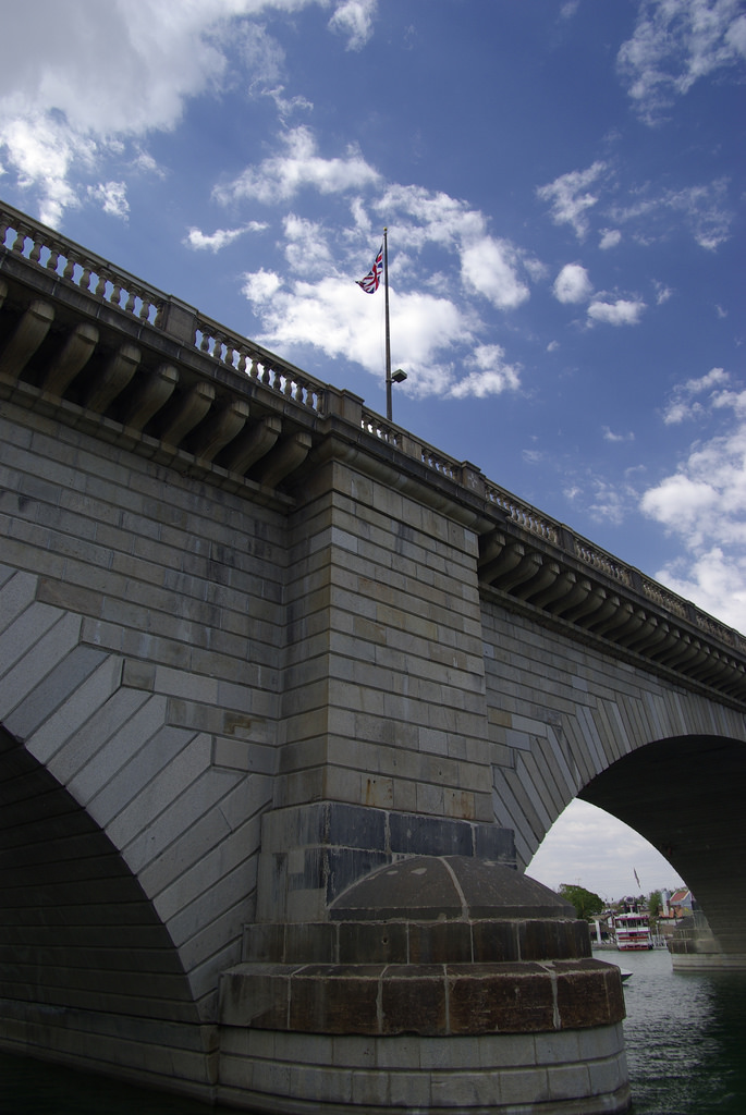 9. The London Bridge today still bears scars from World War II, including bullet holes from German machine guns.