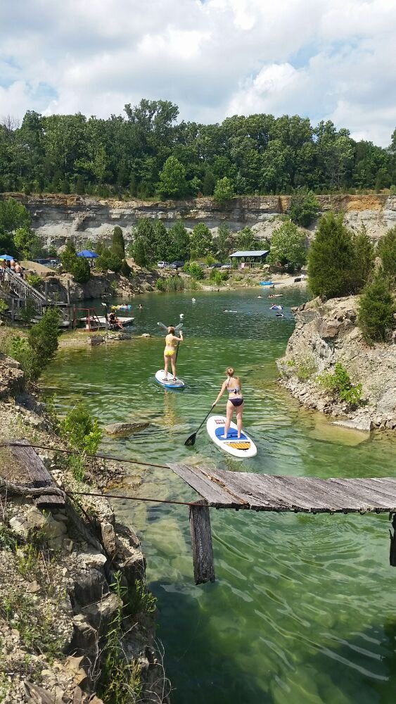 8 reasons to visit this pristine swimming spot in kentucky for Fish rock rentals