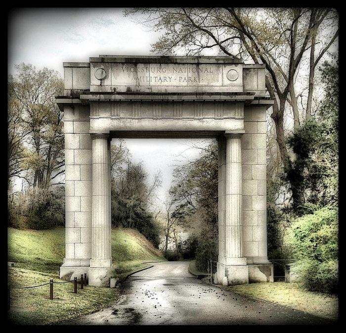 4. Vicksburg National Military Park (3201 Clay St, Vicksburg)