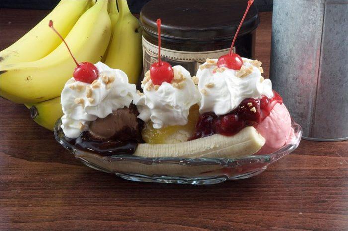 4. Sundays, shakes, malts and Banana Splits