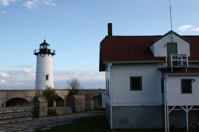 4. Portsmouth Lighthouse and Fort Constitution, New Castle