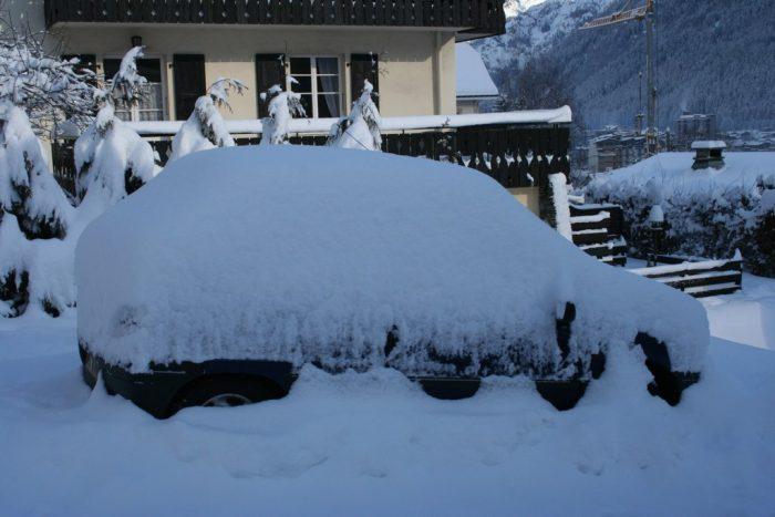 1. A Snow Brush