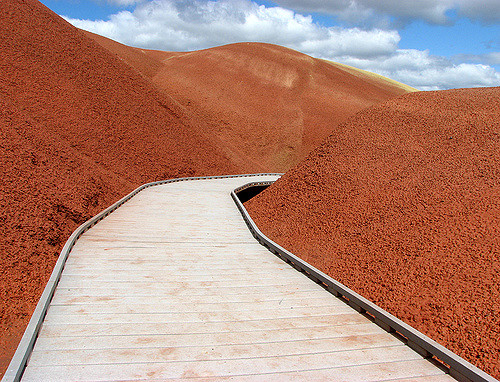 10. Walk through the otherworldly Painted Hills.