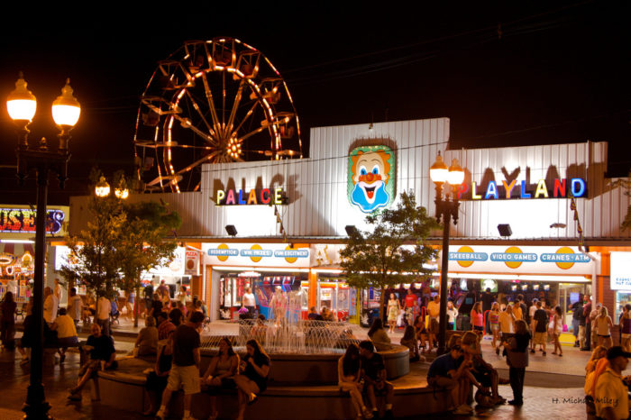 2. Spend hours at Palace Playland.