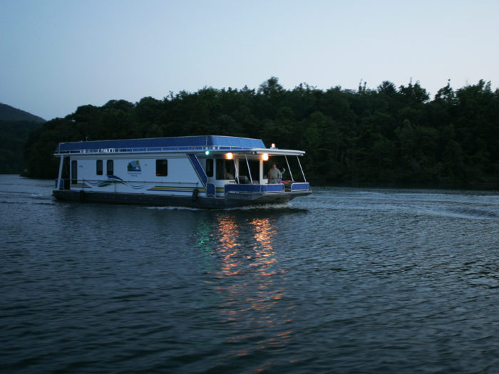 Splurge with a once-in-a-lifetime stay aboard a houseboat.