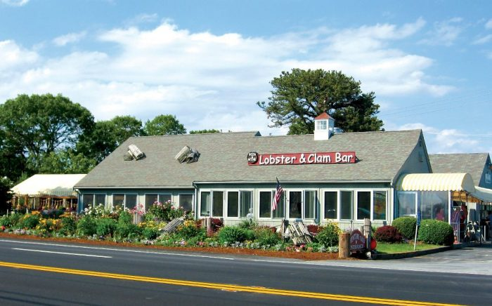 5. Arnold's Lobster and Clam Bar, Eastham