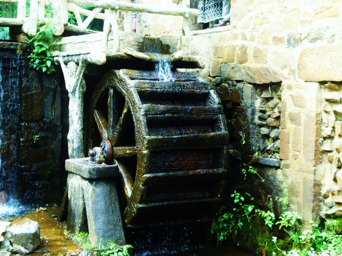 Because the mill is a piece of art, the wheel never really did any work. Its only work is to make the structure more beautiful and authentic.