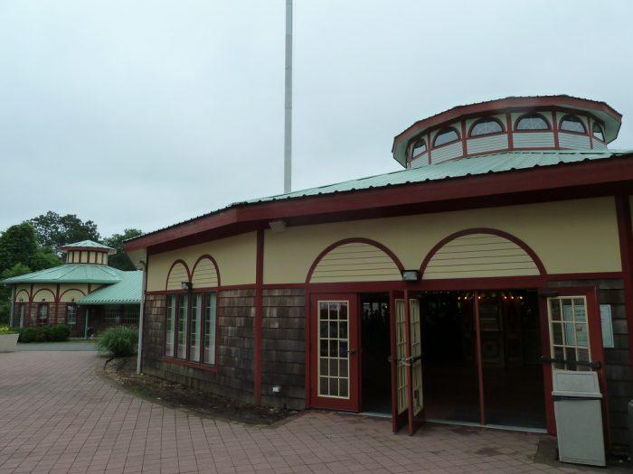 1. Beardsley Zoo (Bridgeport)