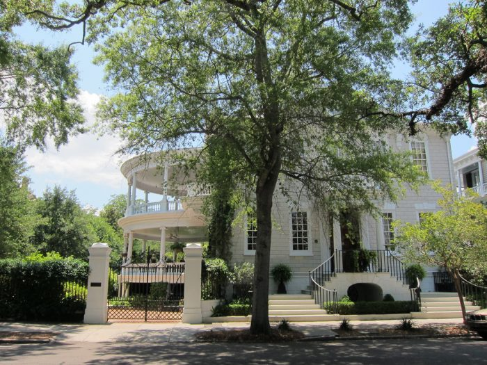 The Southern charm that oozes from the big old mansions in the historic district.