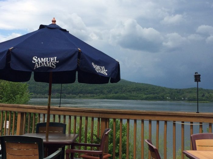 6.  The Waterfront Bar & Grill, Marysville